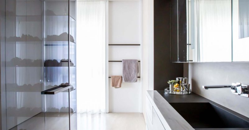יחידת מקלחת ושירותים בחדר מאסטר