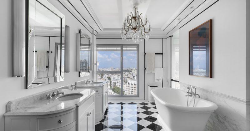 חדר אמבטיה מפסי מתכת מעוצבים